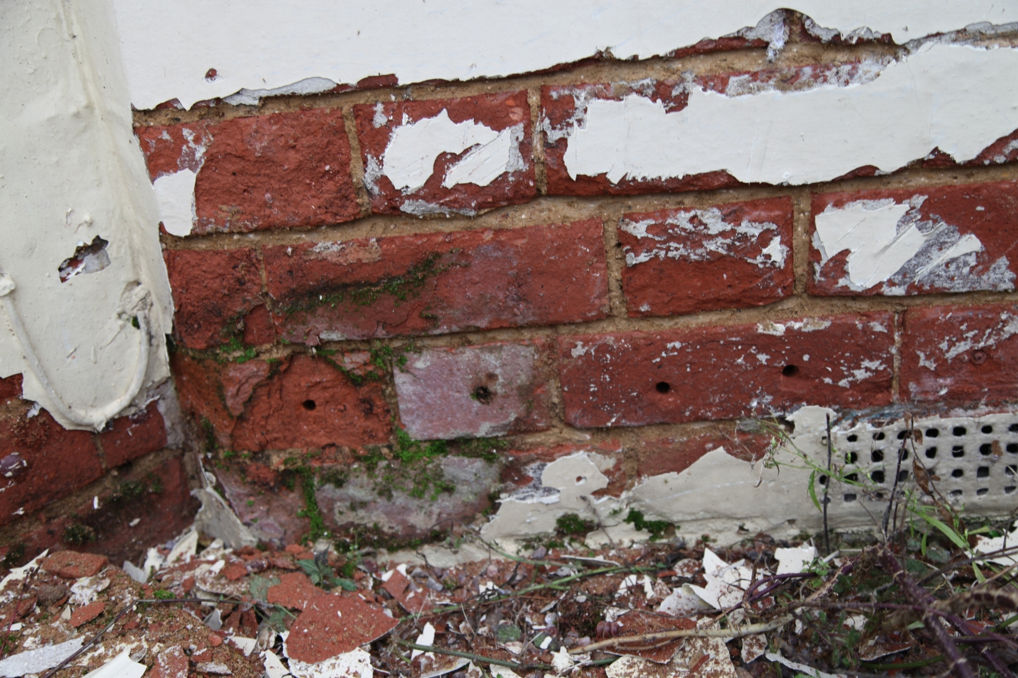 Typical problems with old brick and stone walls for Stone and brick